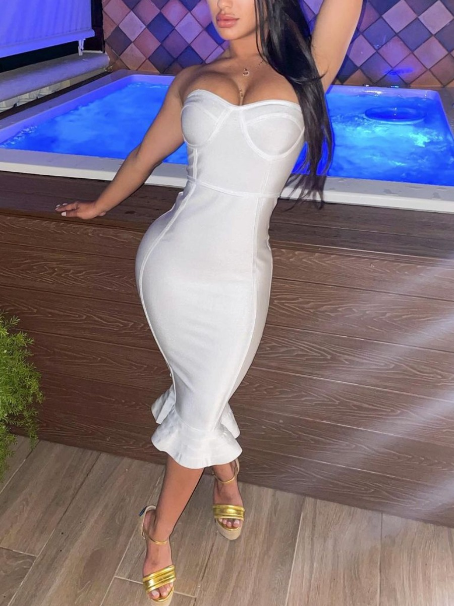 Lovely Sexy Off The Shoulder Flounce Design White